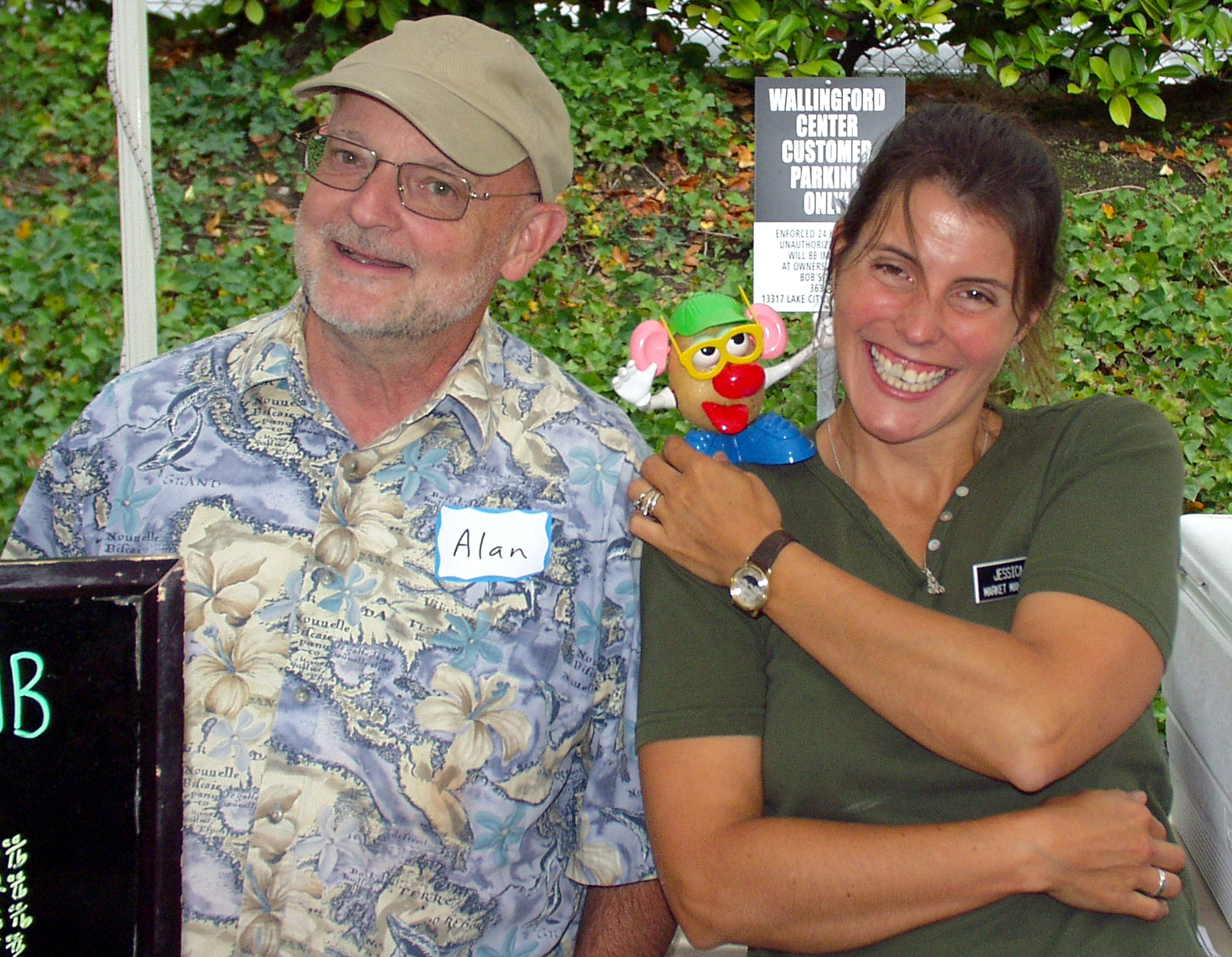Alan, from Olsen Farms, Mr. Potato Head and Market Manager Jessica. Photo copyright 2009 by Zachary D. Lyons.