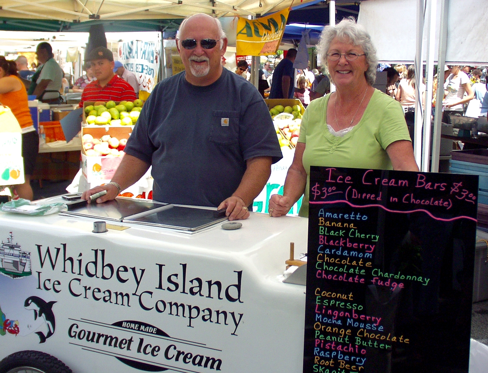 Ron & Florence from Whidbey Island Ice Cream Company. Photo copyright 2009 by Zachary D. Lyons.