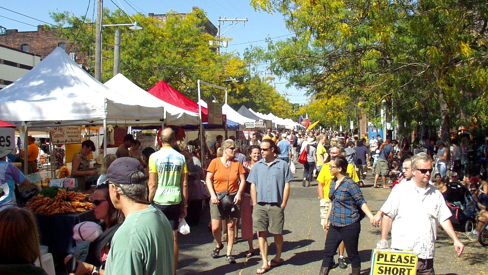 A busy day at Ballard Farmers Market in September. Photo copyright 2009 by Zachary D. Lyons.