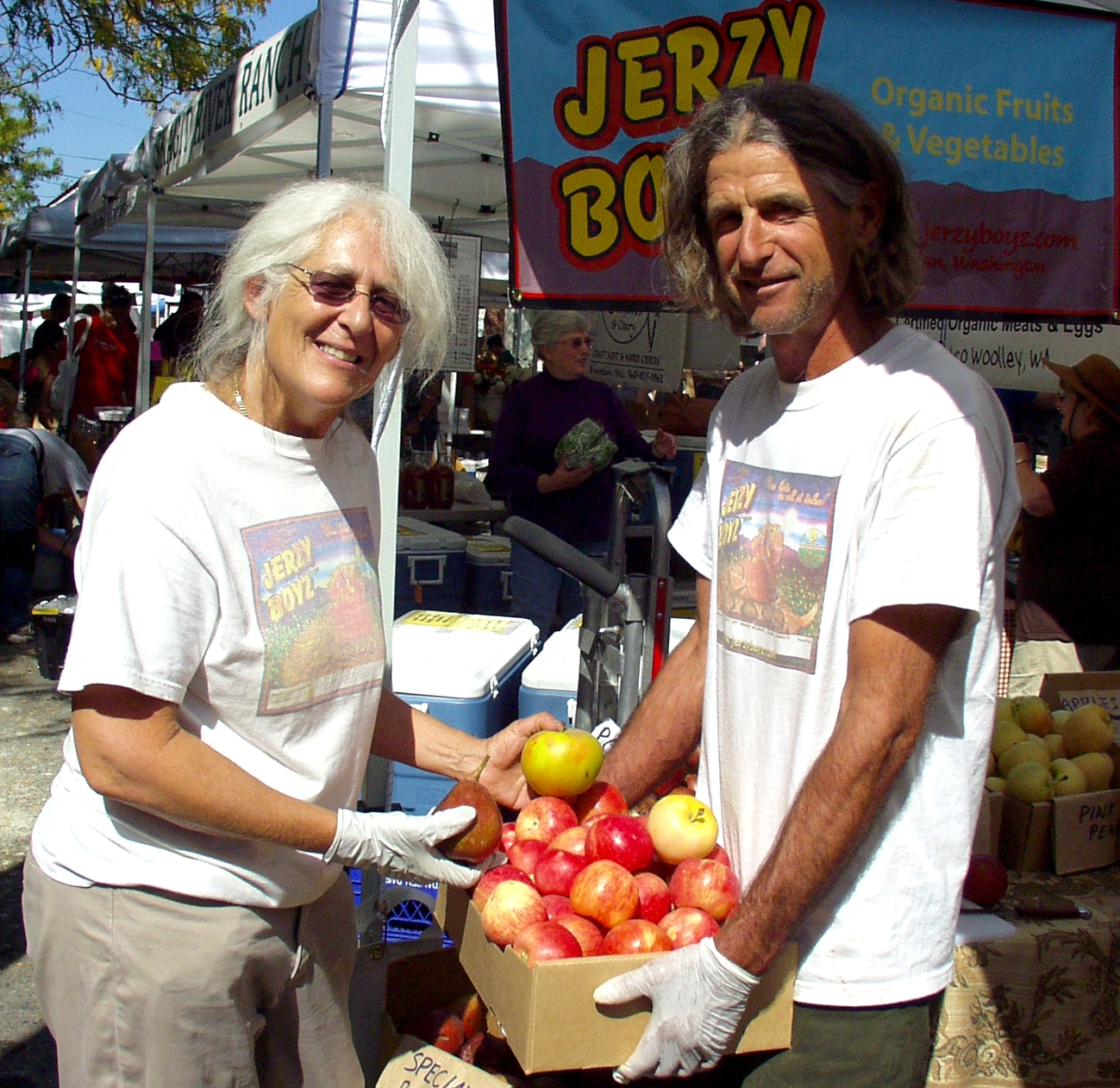 Wynne Weinreb and Scott Beaton of Jerzy Boyz Farm. Photo copyright 2009 by Zachary D. Lyons.