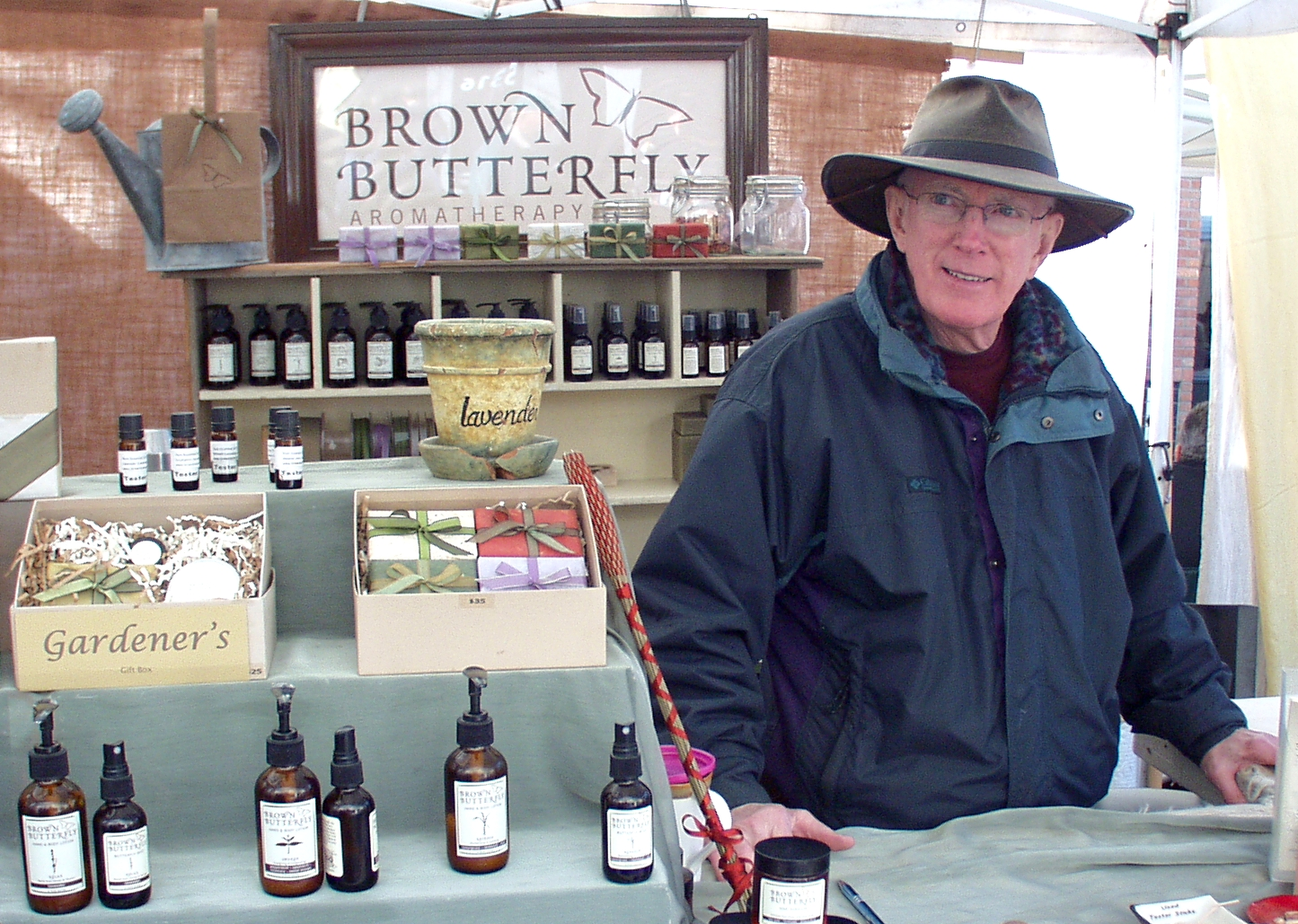 Fran from Brown Butterfly Aromatherapy at Ballard Farmers Market. Copyright Zachary D. Lyons.