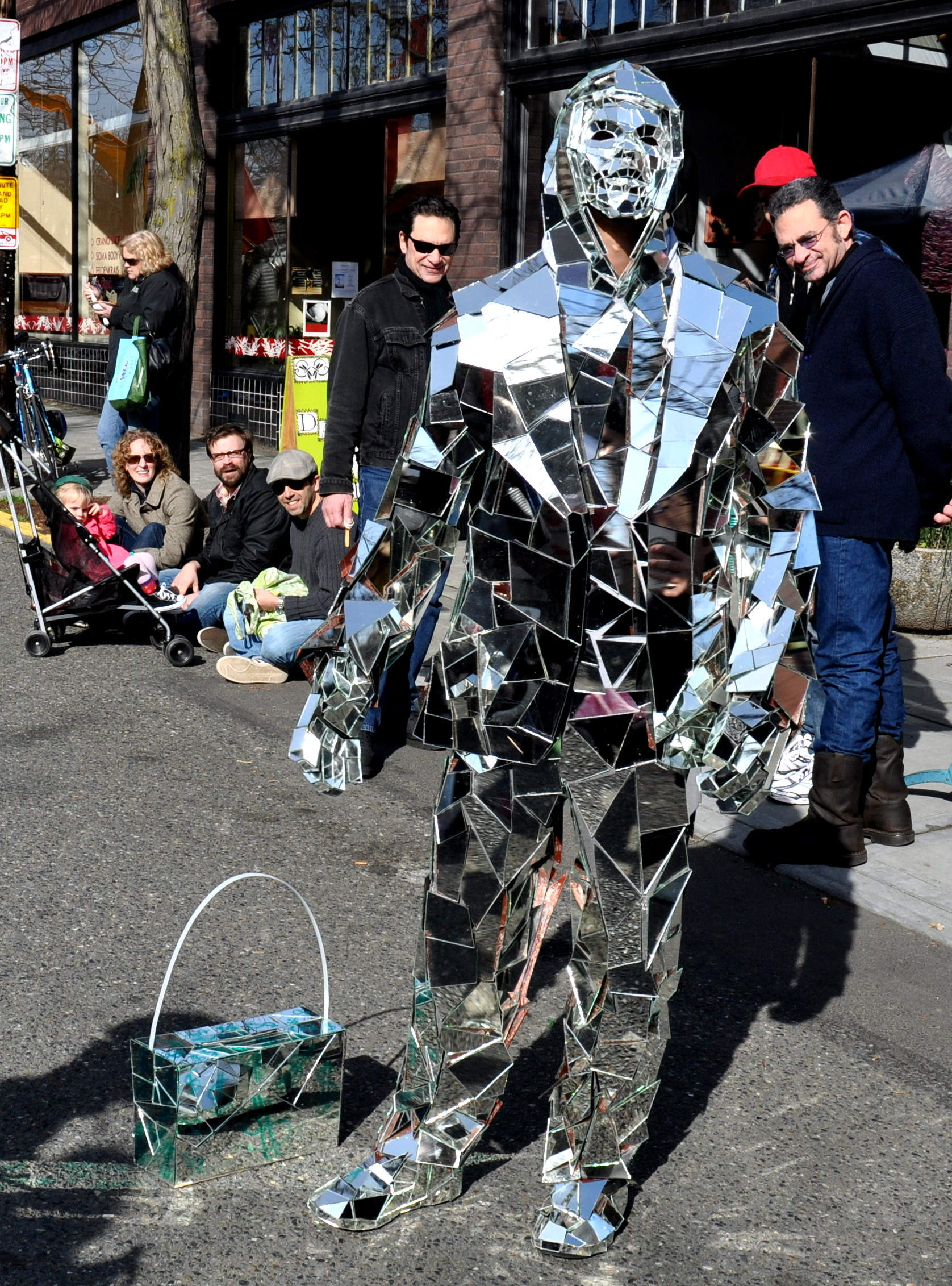 Mirror Man mesmerizes the masses at Ballard Farmers Market on February 20, 2001. Photo copyright 2011 by Zachary D. Lyons.