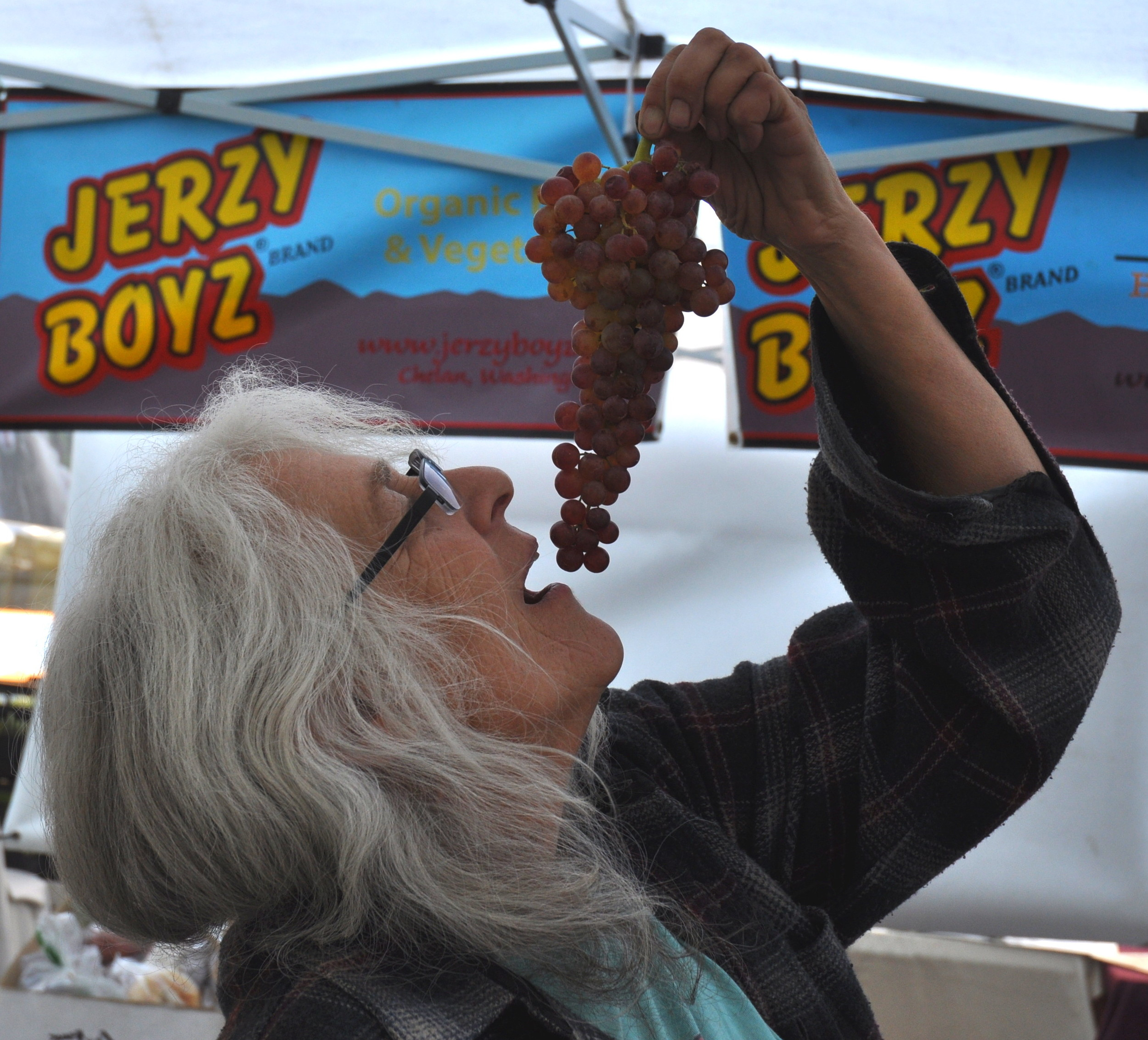 Wynne from Jerzy Boyz at Ballard Farmers Market. Copyright Zachary D. Lyons.