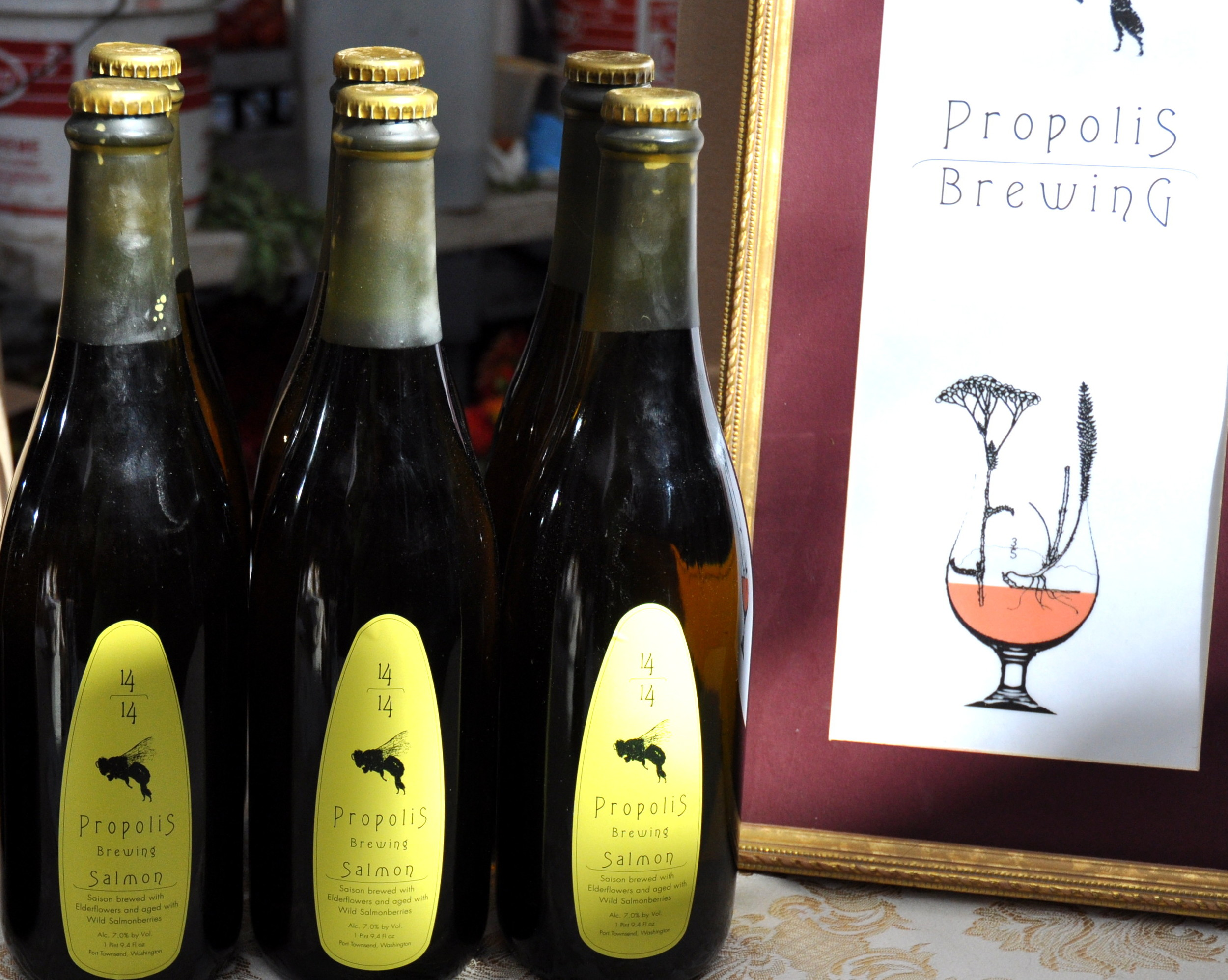 Award-winning Belgian-style ales from Propolis Brewing at your Ballard Farmers Market. Copyright Zachary D. Lyons.