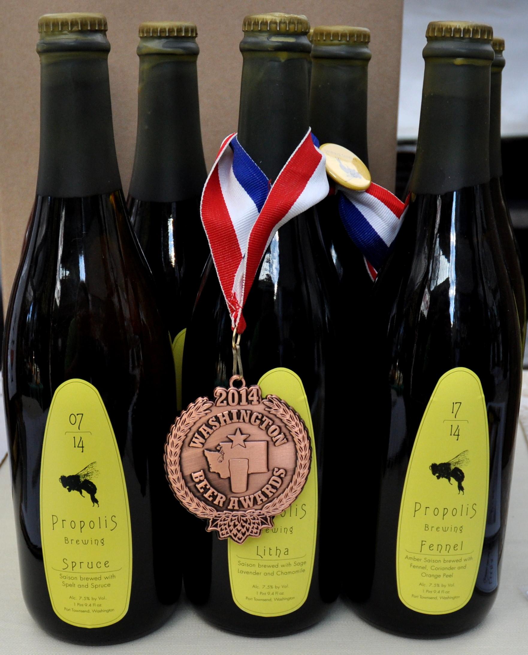 Award-winning ales from Propolis Brewing at Ballard Farmers Market. Copyright Zachary D. Lyons.
