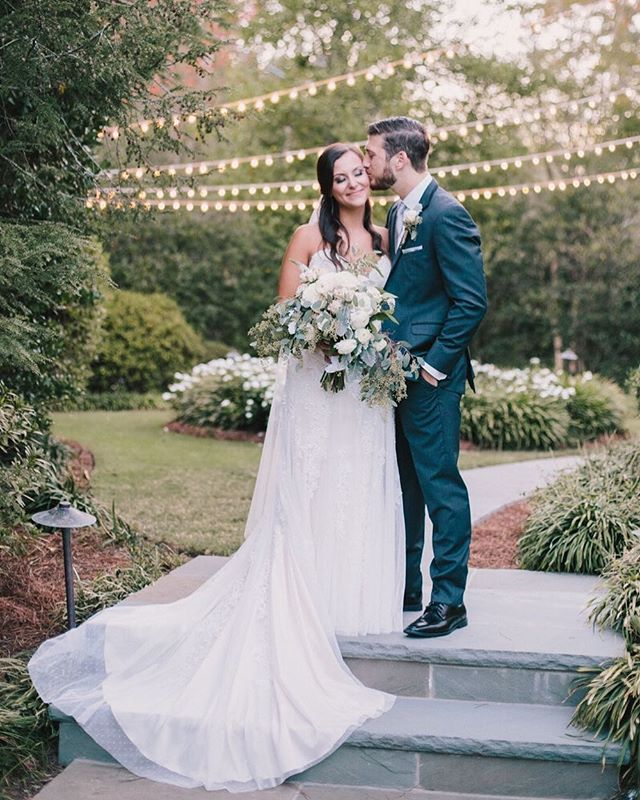 """You should be kissed and often, and by someone who knows how."" - Gone With the Wind ⠀⠀⠀⠀⠀⠀⠀⠀⠀ These two tied the knot in a sweet secret garden and danced the night away. Cheers to you, Mr. & Mrs. Hancock! 💍"