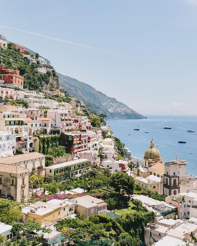 This rainy Atlanta weather has me dreamin' about that Positano sunshine. ☀️