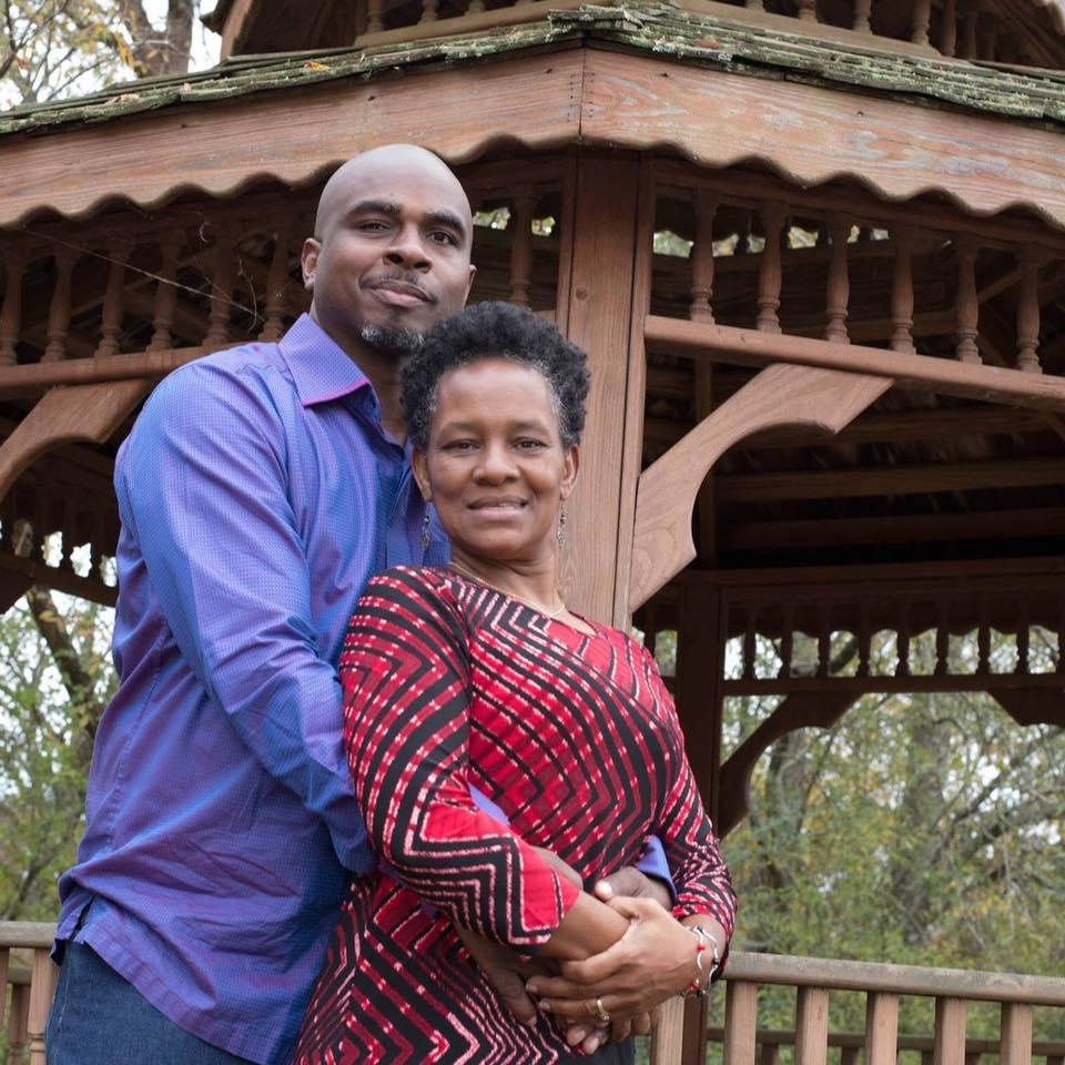 BISHOP VINCENT + LADY SHARON MATHEWS - FOCUS: FAMILY + MINISTRY10 AM WORSHIP SERVICE