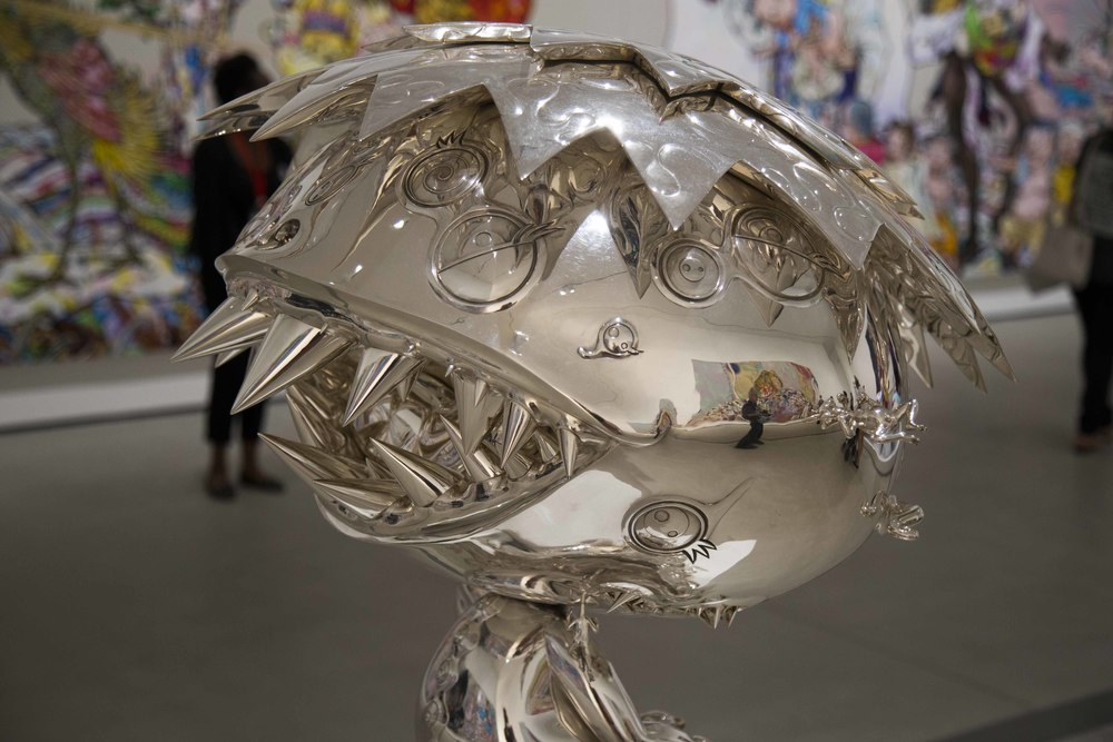 Takashi Murakami's paintings reflected in his sctulpure