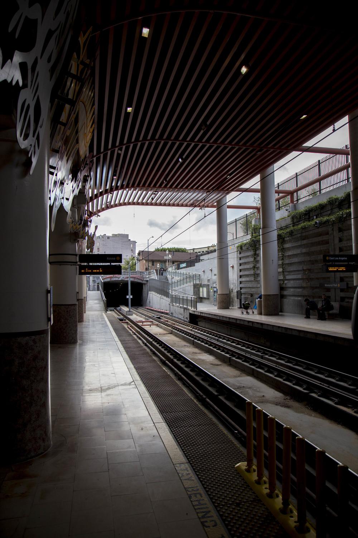 Colorado/Orange Grove metro stop