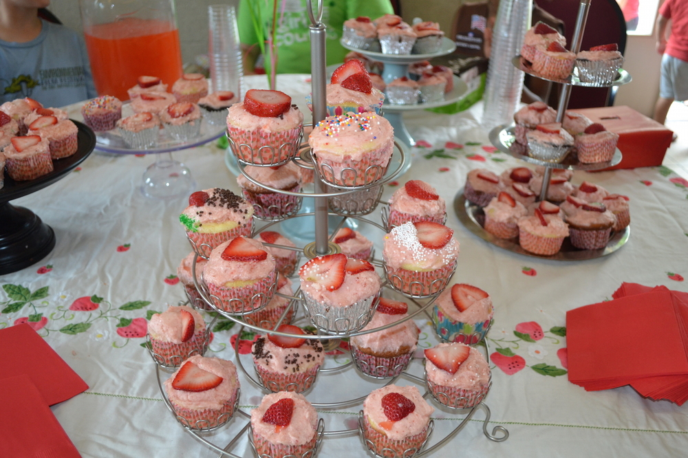 Delicious strawberry cupcakes