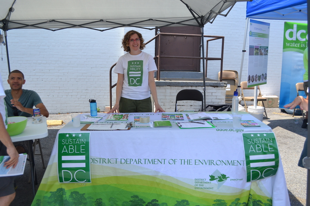 "Lane Cidlowski the Sustainability Planner from the DC Office of Planning was out talking to residents about ""Sustainable DC"""