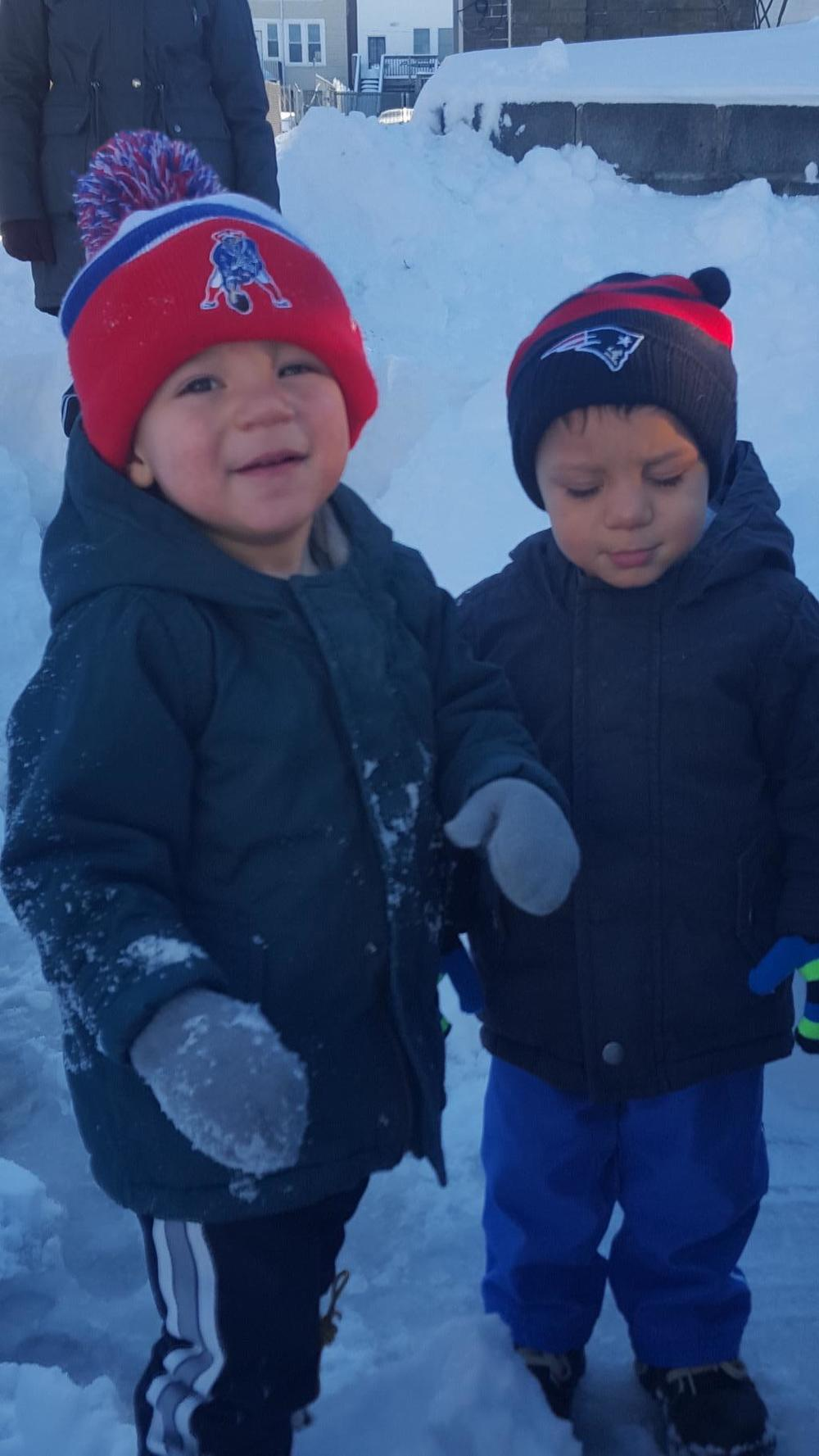 Twins Cole & Caden in the snow ( Photo: Ryan DaSilva)