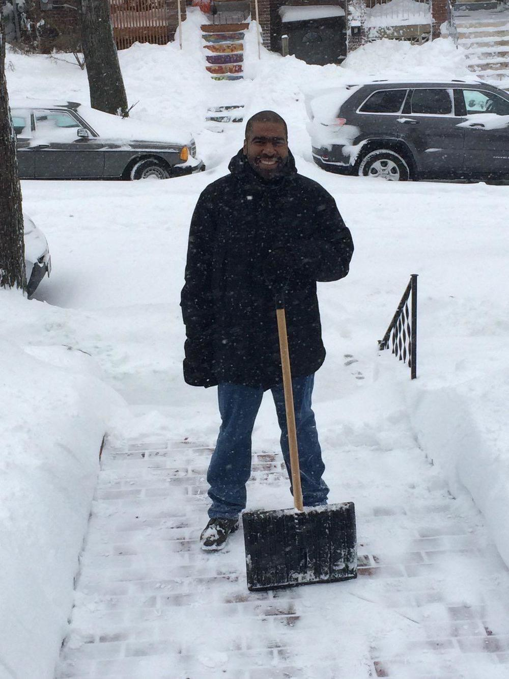 Shoveling, shoveling...  (photo: Julian Hipkins)