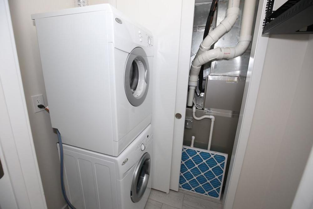 23-Washer & Dryer-Unit 1.jpg