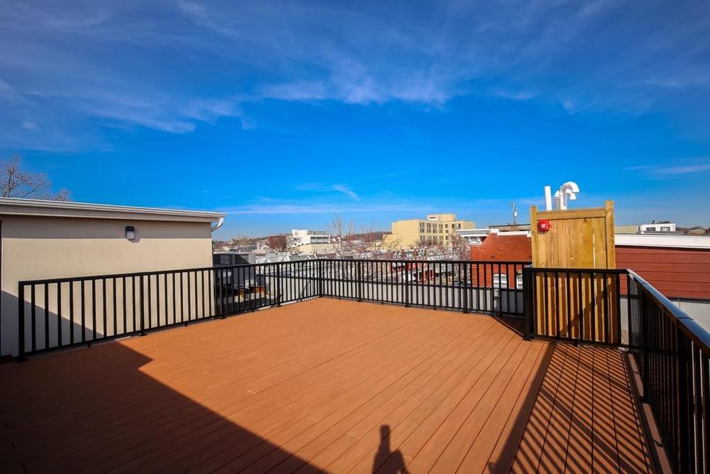 34- Shared Roof Top Deck.jpg