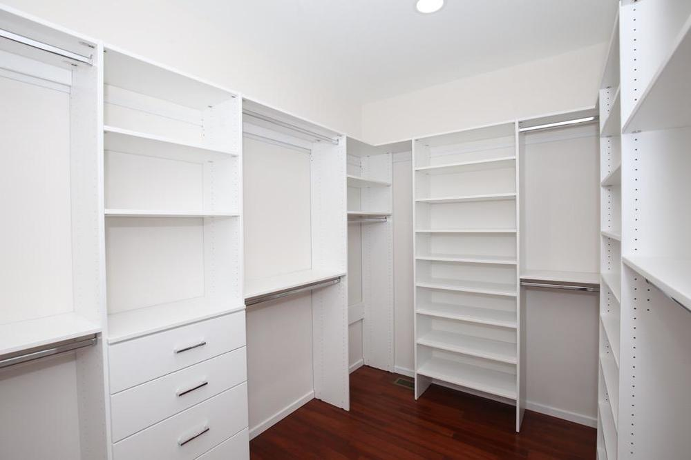 22 Master Bedroom CLOSET - Unit 3.jpg