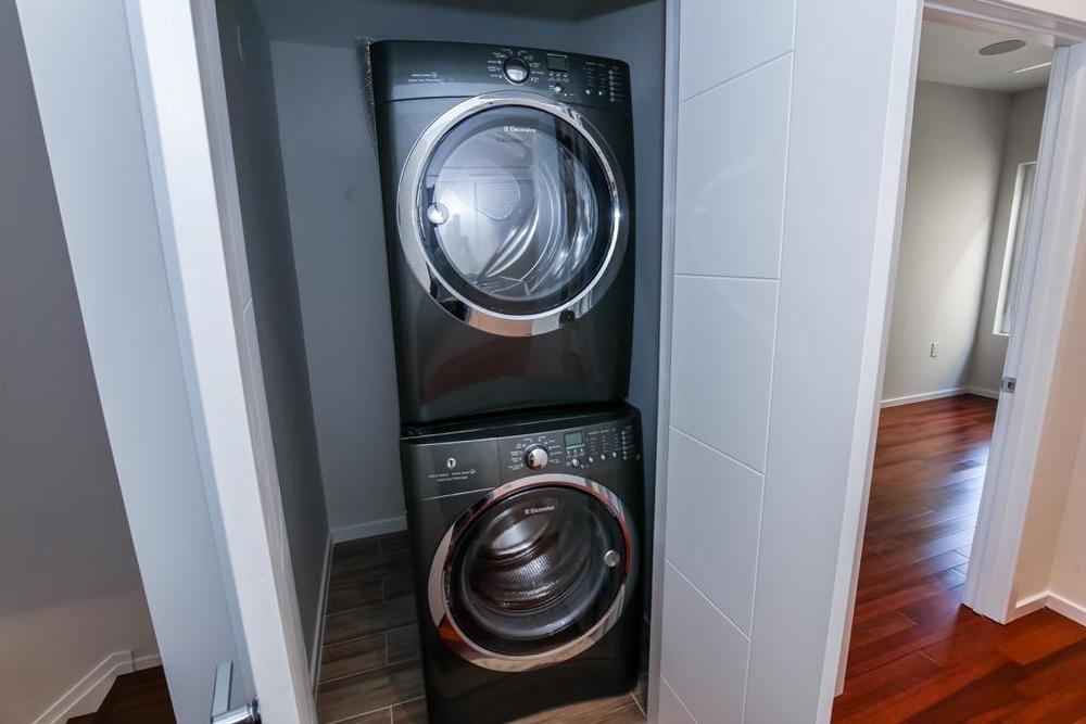 33-Washer & Dryer - Unit # 3.jpg