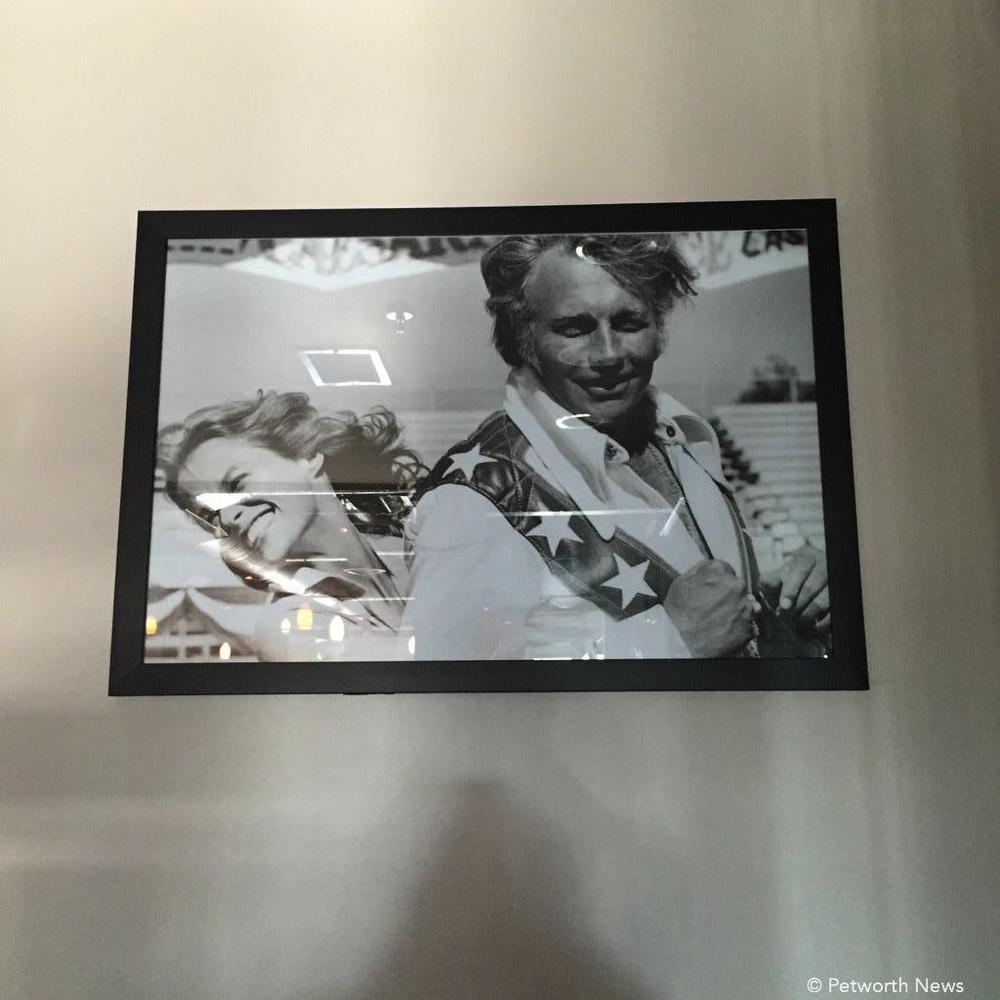 Any place that has a pic of Evel Knievel is all right by me.