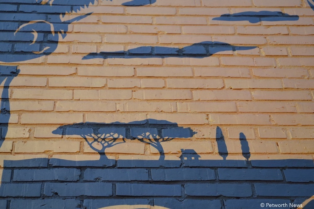 TH-mural11.JPG