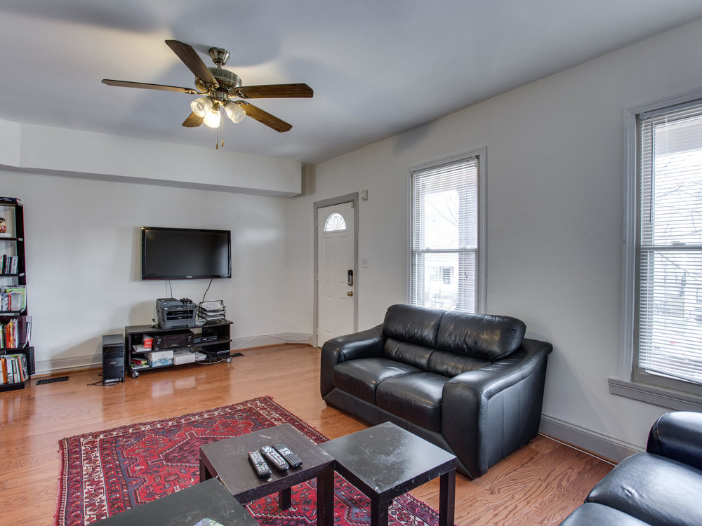 4602 8th St NW Washington DC-MLS_Size-010-40-Living Room-2048x1536-72dpi.jpg