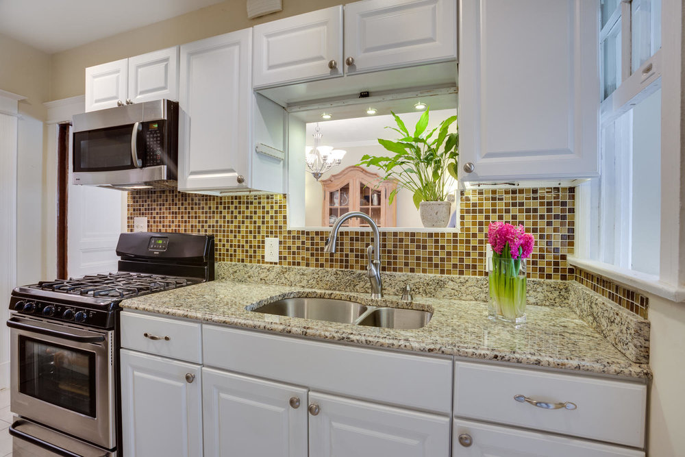 5520 4th St NW Washington DC-large-018-17-Kitchen-1500x1000-72dpi (1).jpg
