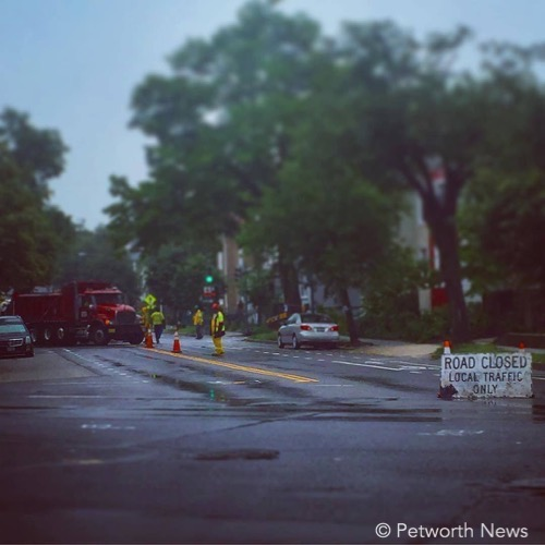 """""""Hey  @ddotdc , who thought closing Upshur & 5th during Grant Circle 1-lane test was a fantastic idea?  #alsoraining """""""