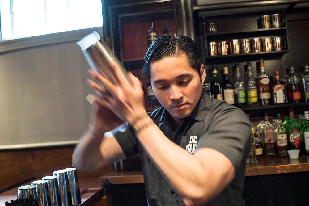 Rhine, an expert behind the bar