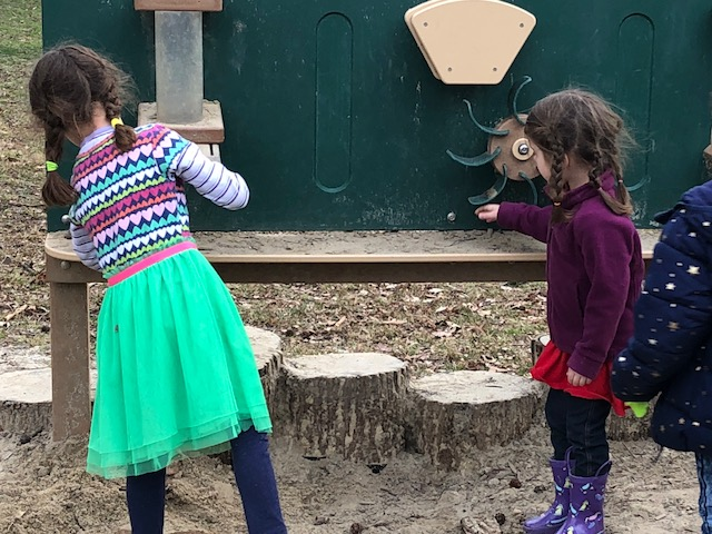 Playgrounds should be safe spaces. (photo: Tamar Lechter)
