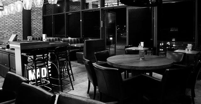 Black-and-White-Image-of-Restaurant-03.jpg