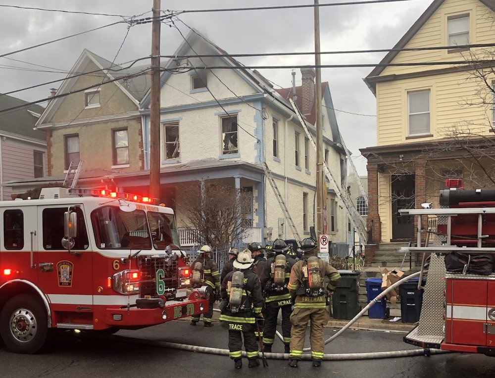 DC Fire and EMS on-scene at the fire (photo: Grayson Dixon)
