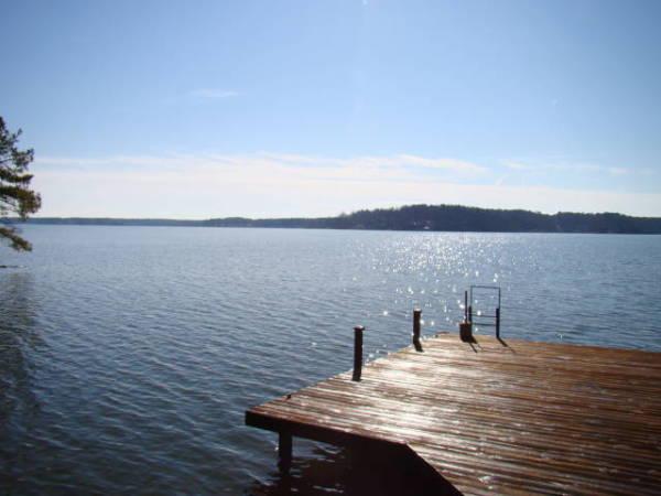 Lake Gaston (via lakegastondreams.com)