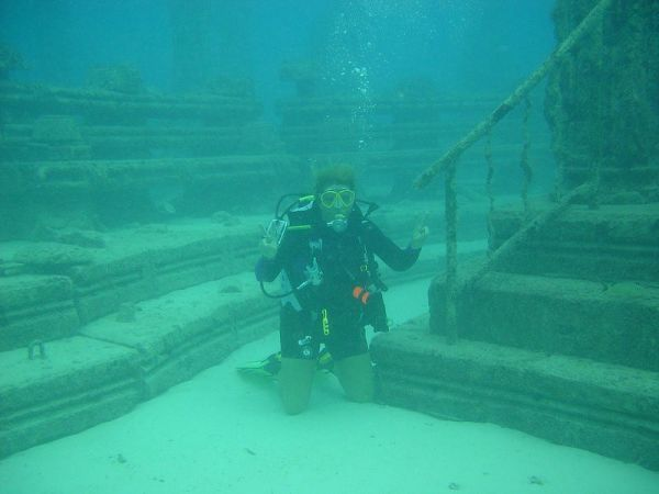 Underwater cemetery, not in the video (via photovide.com)