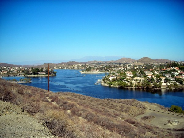 Canyon Lake (courtesy of panoramio.com)