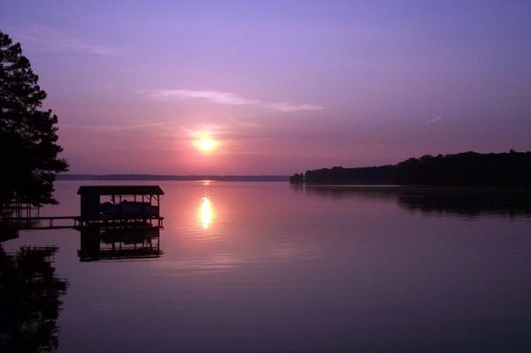 Lake Gaston (Domenic R. Merenda, en.wikipedia)