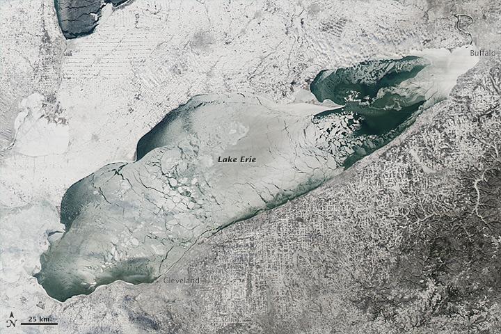 Lake Erie, January 9, 2014 (upload.wikimedia.org).