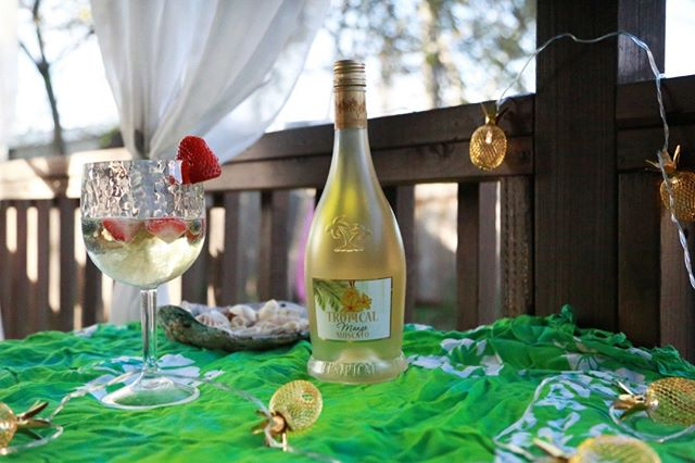 We can't wait to kick off happy hour with a refreshing glass of Tropical Mango Moscato. Cheers! 🥂  #tropical #moscato #tropicalmoscato #paradiseinaglass #mango #happyhour #friyay #weekendvibes #wine #winelife #winelovers #winetime #cheers