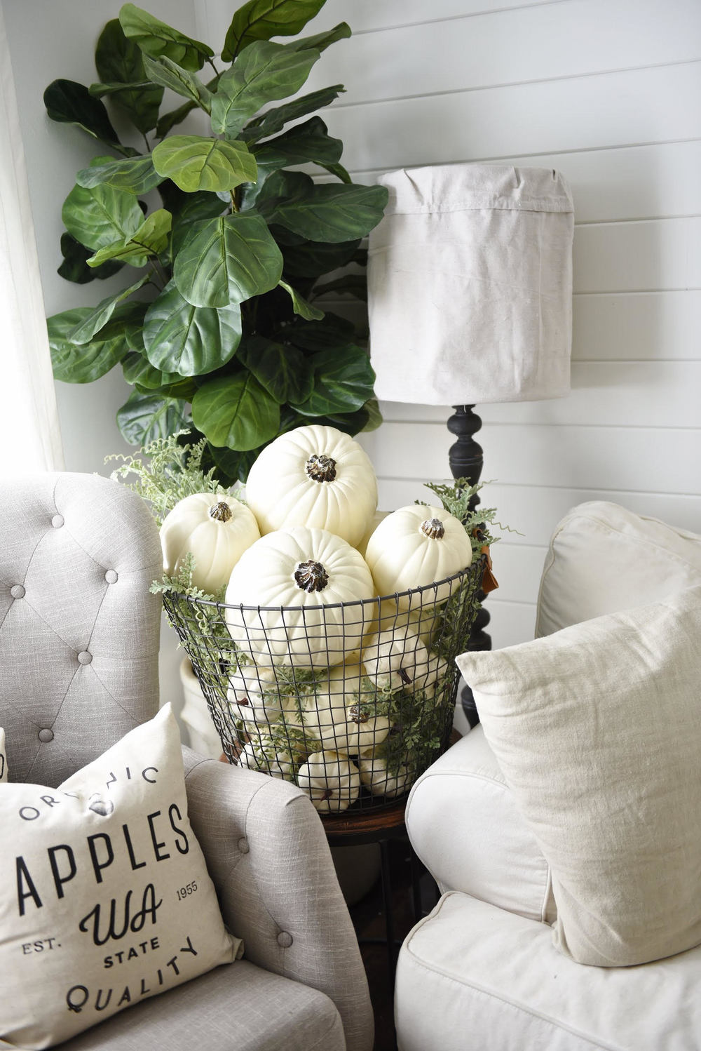 So Vintage Chic pillow shown in the home of Liz Marie! See more of it on her  blog and  Instagram  !