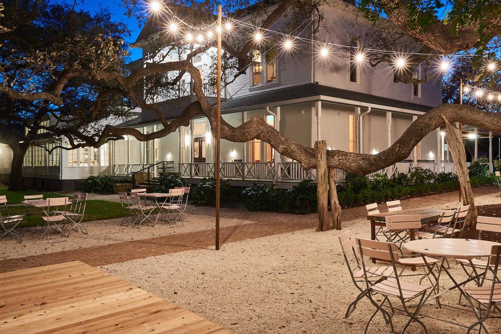 farmhouse string lights patio