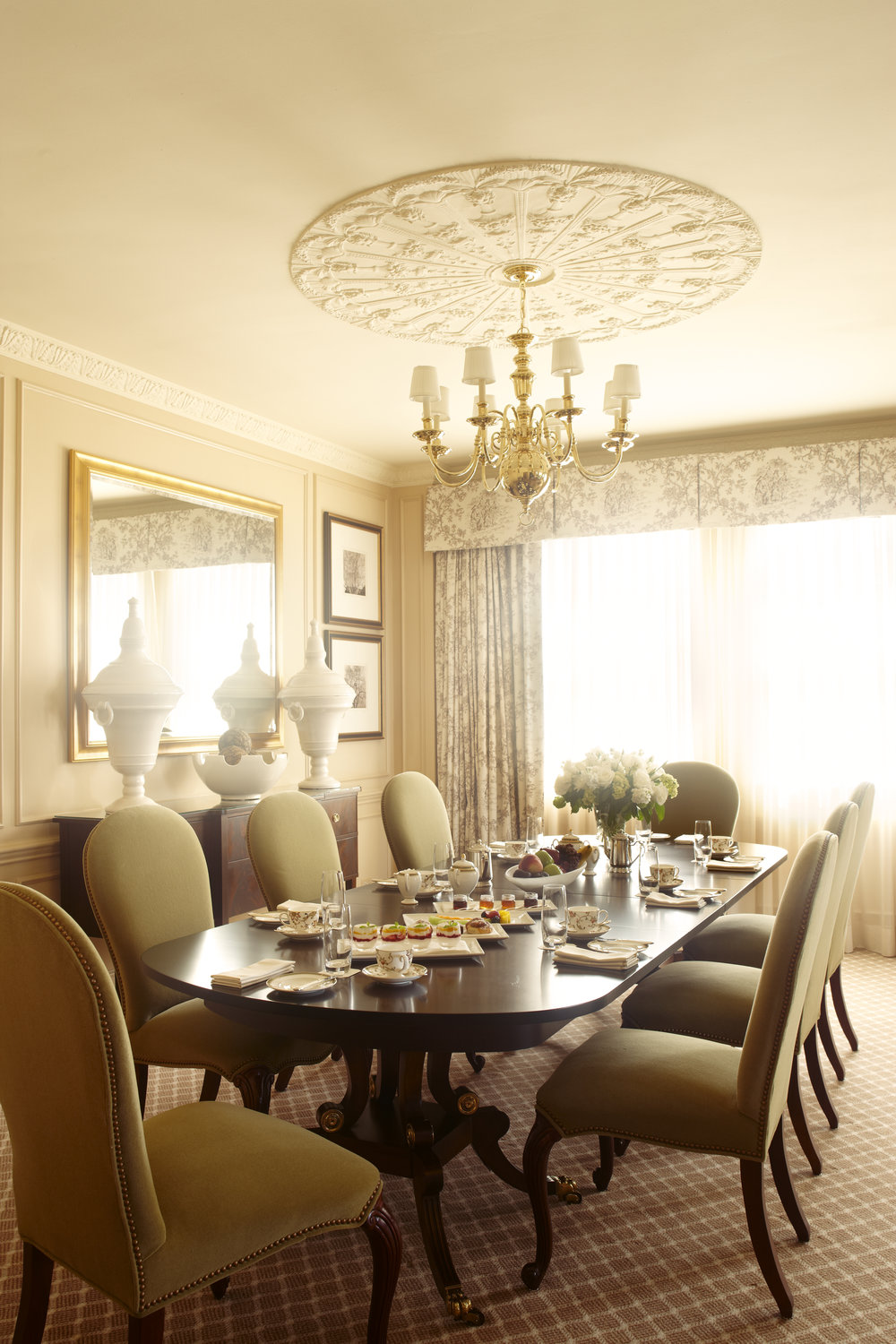 Fed Suite Dining 1.jpg