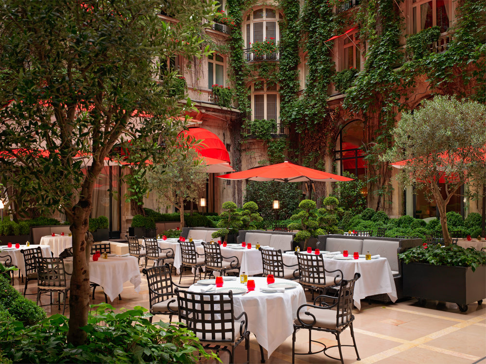 Plaza_Athenee_Cour_Jardin_Niall Clutton.jpg