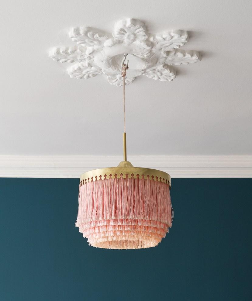 retro-blush-gold-fringe-lamp