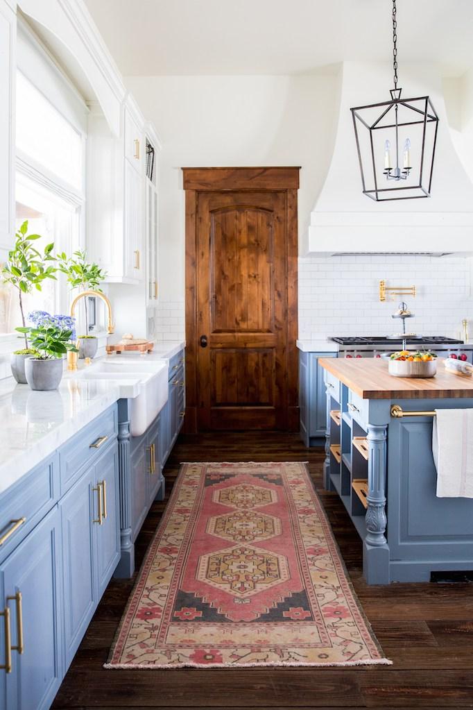blue-kitchen-becki-owens
