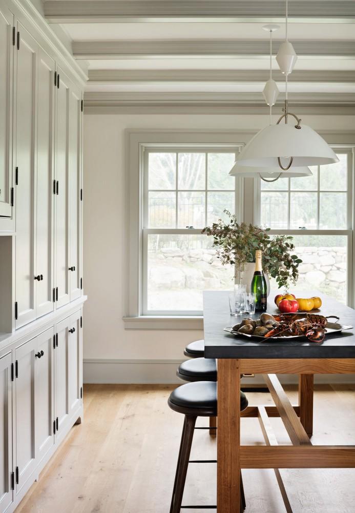 colorful-trim-kitchen-window
