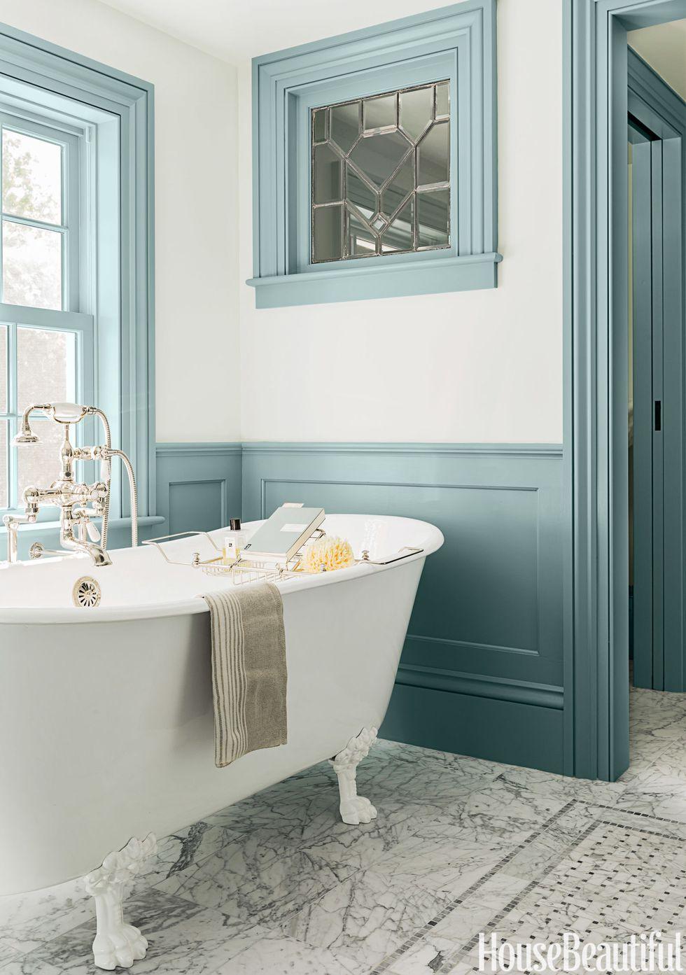 colorful-teal-trim-bathroom
