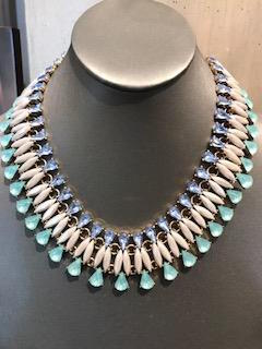Tear Drop Crystal 1960's Style Necklace.
