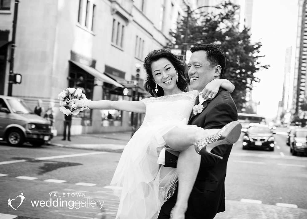 Vancouver Wedding, Yaletown Wedding Photo, Elsa Corsi Wedding Jewelry www,elsacorsi.com