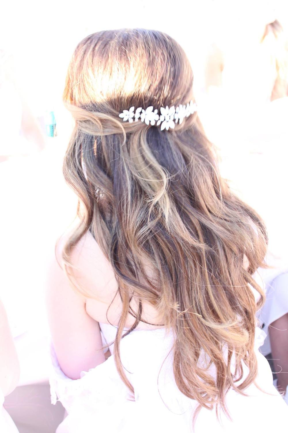 Wedding Hair Accessories by Elsa Corsi,  more on the blog: http://www.elsacorsi.com/blog//diner-en-blanc-and-sparkle