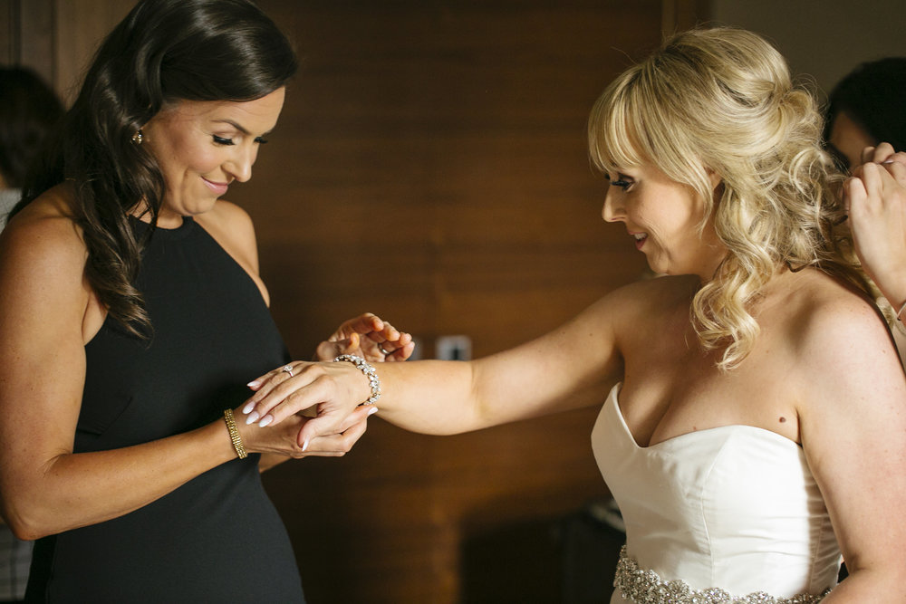 Sisters, Lori Miles, Vancouver Wedding