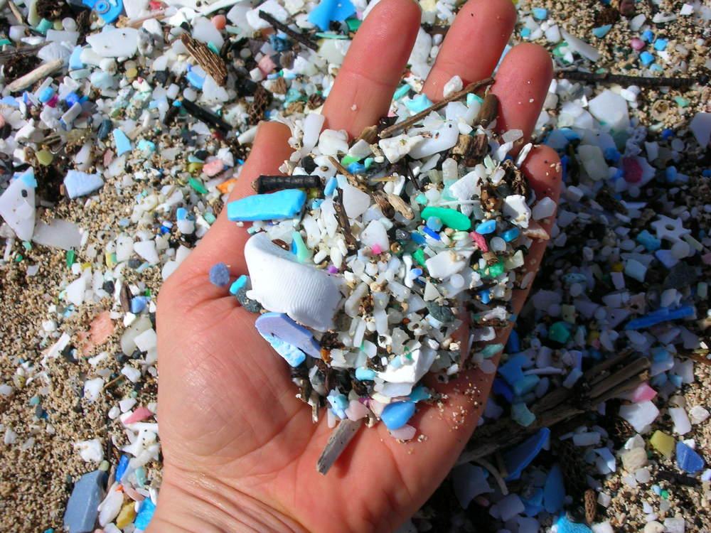 5.5Gyres-microplastics-beach.jpg